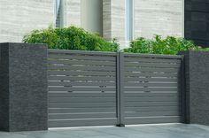 Les portails en aluminium Solabaie sont fabriqués en France pour une qualité optimale et une longue durée de vie ! http://www.solabaie.fr/