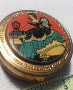 VINTAGE Blush Compact Beautifully painted Gold tone Compact