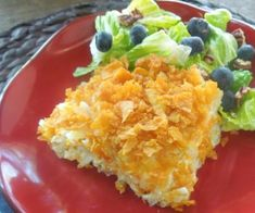 Easy Cheesy Hash Brown Casserole - Perfect for brunch or a side dish at a potluck dinner. Cheesy Hashbrown Casserole, Cheesy Hashbrowns, Hash Brown Casserole, Potato Casserole, Summer Salad Recipes, Potluck Recipes, Breakfast Recipes, Side Dishes Easy, Side Dish Recipes