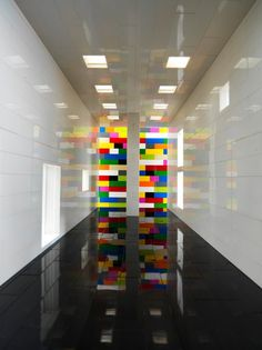 With some clever lighting and camera trickery, Brazil-based photographer Valentino Fialdini, captured the tiny rooms and corridors created out of LEGO blocks as to look like giant architectural spaces. School Architecture, Architecture Photo, Classroom Architecture, Brick Room, Other Space, Small Space, Lego Room, E Mc2, Lego Brick