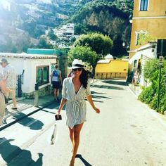 """Meghan's motto for her girls trip to Positano, Italy with BFF Jessica Mulroney? """"Eat. Pray. Love."""" - Meghan Markle Instagram"""