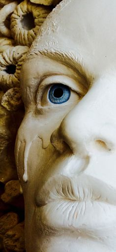 Work in progress detail. Moving To Miami, Ceramic Art, Sculptures, Ceramics, Statue, Detail, Awesome, Wall, Artwork