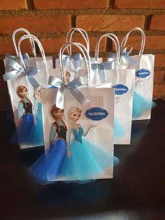 Frozen Birthday Decorations, Frozen Themed Birthday Cake, Frozen Party Favors, Frozen Themed Birthday Party, Disney Frozen Party, Disney Frozen Birthday, 6th Birthday Parties, Frozen Pinata, Frozen Frozen
