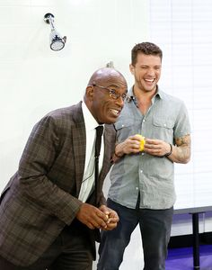 456742330-pictured-al-roker-and-ryan-phillippe-appear-gettyimages.jpg (466×594)