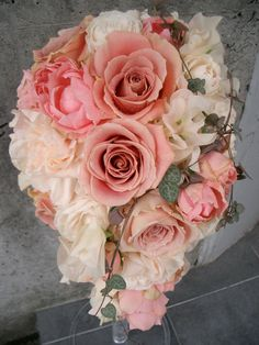 Cascade bouquet in pinks and blush ブーケ・花束 | 神戸 大阪 明石 姫路 ブライダル装花|ウエディング ブーケ|フラワー アレンジメント