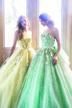 FOUR SIS & CO. Nice Dresses, Formal Dresses, Wedding Dresses, Ball Gowns, Color, Fashion, Gowns, Dresses For Formal, Bride Dresses