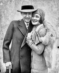 Old Hollywood Stars, Hollywood Party, Hollywood Icons, Golden Age Of Hollywood, Classic Hollywood, Irving Thalberg, Best Actress Oscar, Trip The Light Fantastic, Norma Shearer