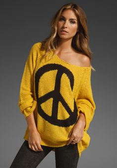 One of my mini obsessions- oversized sweaters!! Comfy & cute, a perfect look that can be dressed down or dressed up