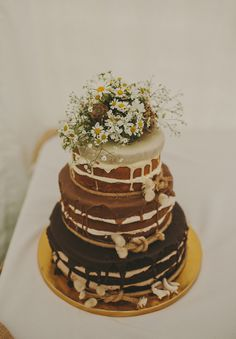 naked cake - 3 different flavours - i would have choc on bottom, carrot in middle and...more chocolate?!