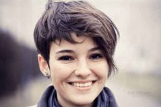 40 Best Edgy Haircuts Ideas to Upgrade Your Usual Styles - Kurze Haare Frauen Edgy Haircuts, Short Hairstyles For Thick Hair, Round Face Haircuts, Hairstyles For Round Faces, Pixie Hairstyles, Pixie Haircuts, Trendy Hairstyles, Braided Hairstyles, Gorgeous Hairstyles