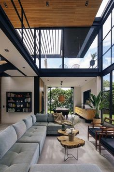 Llano Arquitectos make the most of a small plot with Candelaria House. The 187 sq. property is located in the municipality of La Estrella, Colombia. Home Design, Interior Design Career, Interior Decorating Styles, Design Studio, Modern House Design, Modern Interior Design, Casa Loft, Loft House, Midcentury Modern