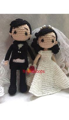 Wedding couple crochet dolls by tinylittleloops