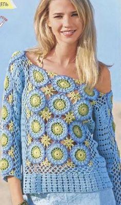 Blusa de crochê azul com motivos circulares