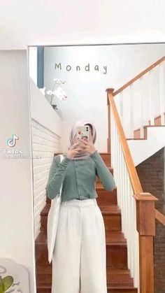 Casual Hijab Outfit, Ootd Hijab, Hijab Fashion Inspiration, Muslim Fashion, Girl Photography, Random, Pictures, Clothing, Hairstyle