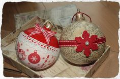 Old Baubles Decorated in Vintage/Retro Style = All Me :)