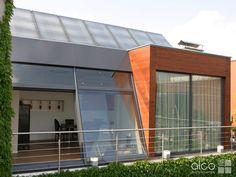 Das ALCO Schiebesystem – zartes Profil mit Design und Funktion Garage Doors, Outdoor Decor, Home Decor, Profile, Contemporary Design, Decoration Home, Room Decor, Home Interior Design, Carriage Doors