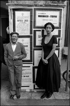 1987 Sicilia: Ferdinando Scianna sign the 2th fashion catalogue for Dolce & Gabbana with Marpessa model. #sicilia #sicily #scopello