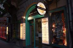 Go-free Bar Budapest, Teréz körút 50. Nyitva hétfő-péntek 7:30 - 23:30, szombaton 17:00 - 23:30