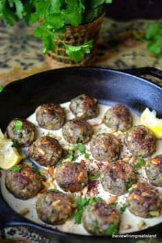 Moroccan Lemon and Cardamom Meatballs ~ I can't imagine a more exciting dinner than a plate of these lemony cardamom spiced lamb meatballs nestled in creamy tahini sauce. I have a feeling this is going to become your new favorite meal! Meat Recipes, Cooking Recipes, Healthy Recipes, Meatball Recipes, Ground Lamb Recipes, Recipes With Ground Lamb, Good Food, Yummy Food, Tasty