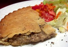 The true (original) French Canadian tourtiere was made with 'Tourte' a type of pigeon, hence the name. Be careful not to use too much allspice My Recipes, Mexican Food Recipes, Chicken Recipes, Cooking Recipes, Healthy Recipes, Ethnic Recipes, Vietnamese Recipes, Canadian Meat Pie Recipe, Canadian Food
