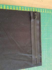 MUMINTALO: TILAIHME, pikkulaukku Sewing Tutorials, Diy And Crafts, Crossbody Bag, Wallet, Pattern, Cross Body, Patterns, Shoulder Bag, Model