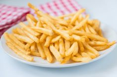 The Best Frozen French Fries In Airfryer Recipe - Cook Logic Microwave Recipes, Cooking Recipes, Patatas Chips, Best Shakes, French Fries, Air Fryer Recipes, Healthy Options, Cooking Time, Frozen