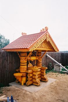 Одноклассники Russian Architecture, Log Furniture, Beer Bar, Historic Homes, House In The Woods, Log Homes, Diy Woodworking, Wells, Wood Carving