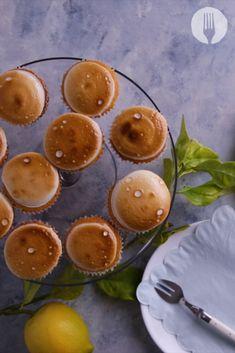 *Mallow* out with these yummy lemon marshmallow meringue cupcakes 🍋🤩🤤 Lemon Meringue Tart, Food Crafts, Cup Cakes, Marshmallow, Tarts, Chocolate Cake, Baking Recipes, Cravings, Watermelon