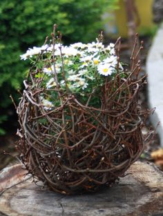Reisigbehälter für Blumen und Teelichter designed by www.lindas-kreativ-werkstatt.de