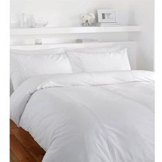 Catherine Lansfield Minimalist Duvet Set ($31) ❤ liked on Polyvore featuring home, bed & bath, bedding, duvet covers, white, white bedding, white pillow cases, king size bedding, king duvet set and king size pillowcases