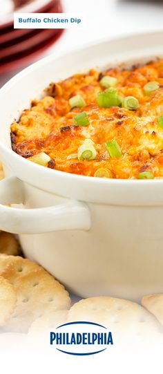 Keep your guests mingling before the main course this Thanksgiving. This creamy Buffalo Chicken Dip made with Philly Brick Cream Cheese, blue cheese, cayenne pepper sauce and zesty chicken is a party favourite that everyone will thank you for. Buffalo Chicken Dip Recipe, Chicken Dips, Baked Chicken, Dip Recipes, Appetizer Recipes, Greek Appetizers, Party Dips, Cream Cheese Recipes