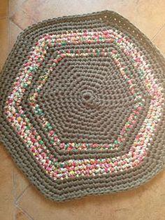 lovely people :) Hecho con amor y con nuestros materiales, por Rocío #hechoamano #crochet #ganchillo #sacocharte #trapillo