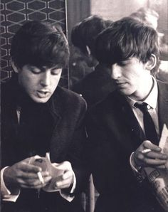 #TheBeatles - #PaulMcCartney #GeorgeHarrison