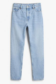 High-waisted, '90s fashion dream jeans. Classic cotton with a (slightly) tapered leg for the most on-point, throwback denims. • '90s fit • high waist