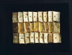 BIZÂNCIO (Bizance)  14,5x19x4 cm (Design),  14x19 cm por Maria Antónia Santos coffre en bois, feuille d'or, argile