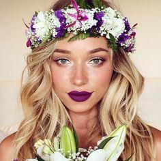 Unique bridal makeup on MUA @liza_lash. Would you go for a bold lip? #bridalmakeup