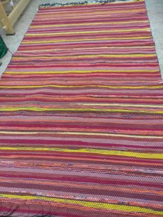 Recycled Fabric, Woven Rug, Rug Making, Recycling, Weaving, Rugs, How To Make, Home Decor, Rug Weaves