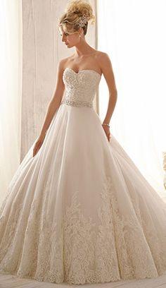 Tulle Sweetheart Neckline Natural Waistline A-line Wedding Dress