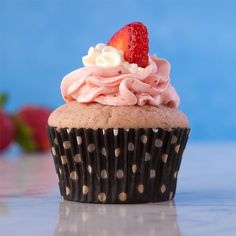 Strawberry-strawberry cupcakes :)