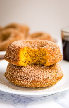 You've got to make this Baked Pumpkin Donut Recipe! They're the most light and fluffy donuts that are perfect with your morning coffee and best of all they're really quick and easy to make. Pumpkin Donut Recipe Baked, Baked Donut Recipes, Baked Pumpkin, Pumpkin Recipes, Breakfast Puff Pastry, Fried Donuts, Homemade Donuts, Delicious Breakfast Recipes, French Toast Bake