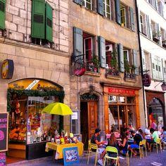 Le vieux lausanne, Lausanne, Switzerland — by Mag_Paris Lausanne, Petits Bars, Reisen In Europa, Beaux Villages, Lucerne, Basel, Zurich, Rues, Paris