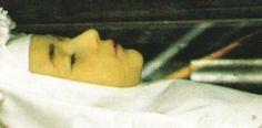 Santa Imelda. Bolonia.1320-1333) fue una joven religiosa italiana, muerta a los 13 años de edad, según la tradición en un éxtasis durante su primera comunión. Fue beatificada en 1826 por el papa León XII, por lo que es usualmente conocida como la beata Imelda. Con fina capa de cera..