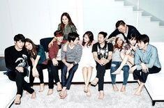 "Chanyeol, Song Ga Yeon, and Others Bid Farewell on Finale of ""Roommate"" Season One"