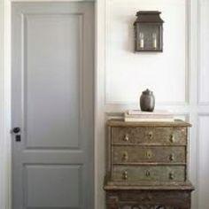 New Interior Door Colors Rustic Ideas Interior Door Colors, Grey Interior Doors, Grey Doors, Nordic Interior, Black Doors, Interior Design, Craftsman Style Doors, Home 21, Dresser As Nightstand