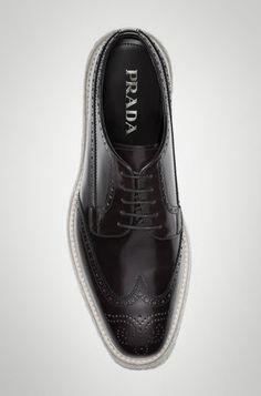 38 fantastiche immagini su Prada men s oxfords shoes  534a5ce2a31