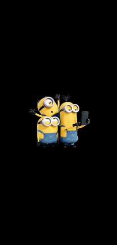 minions taking picture💙 Cool Wallpapers Cartoon, Minion Wallpaper Iphone, Cute Minions Wallpaper, Cute Black Wallpaper, Walpaper Black, Cute Panda Wallpaper, Black Wallpaper Iphone, Wallpaper Iphone Disney, Qhd Wallpaper
