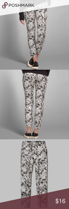 NWT A&F Isabelle Jacquard Pants NEW! With Tags. Cute Abercrombie and Fitch Black, White, and Gold Shimmered Isabelle Jacquard Floral Pants. Have a relaxed tapered leg, jacquard floral pattern with shine, and front and back pockets. Size is a 0. Comment if you have any questions. 😊. Make me an offer! Abercrombie & Fitch Pants Trousers