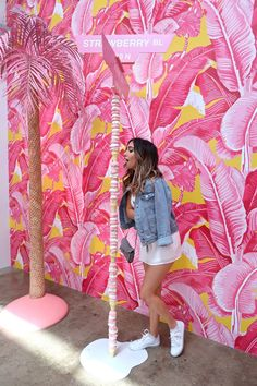 Jan 2020 - Poshclassymom museum of ice cream Los Angeles fun things in la Zara top Gucci sn Cafe Design, Store Design, Ice Cream Museum, Instagram Wall, Pink Aesthetic, Oahu, Entryway Decor, Interior And Exterior, Backdrops