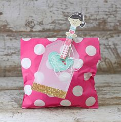 Be Mine Treat Bag by Laurie Willison for Papertrey Ink (December 2015)