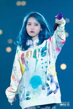 """I don't know why but I love this picture of IU 💙😅 Her expression 🥰 Credit to the owner. Korean Star, Korean Girl, Kpop Girl Groups, Kpop Girls, Divas, Art Anime, Iu Fashion, Kpop Outfits, Korean Celebrities"